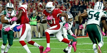 Arizona Cardinals running back David Johnson (31) scores a touchdown against the New York Jets during the second half of an NFL football game, Monday, Oct. 17, 2016, in Glendale, Ariz. (AP Photo/Ross D. Franklin)