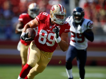 San Francisco 49ers' Vance McDonald (89) runs after a catch for a touchdown against the Houston Texans in the first quarter of an NFL preseason game at Levi's Stadium in Santa Clara, Calif., on Sunday, August 14, 2016. (Nhat V. Meyer/Bay Area News Group)